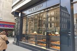Til Lagkagehuset i London har Kølegruppen leveret og installeret to kølerum og to frostrum, samt specialbyggede 4-lågede køleborde i rustfri stål